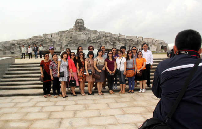 Tượng đài mẹ Việt Nam ở Quảng Nam 11