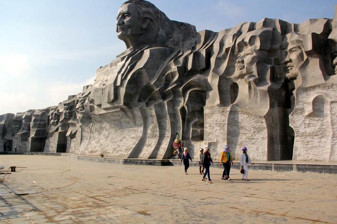 Tượng đài mẹ Việt Nam ở Quảng Nam 10