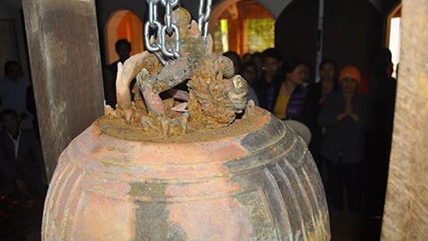 Ngắm chuông đồng cổ gần 1.000 năm -05