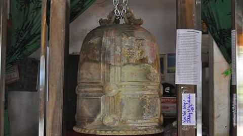 Ngắm chuông đồng cổ gần 1.000 năm -08