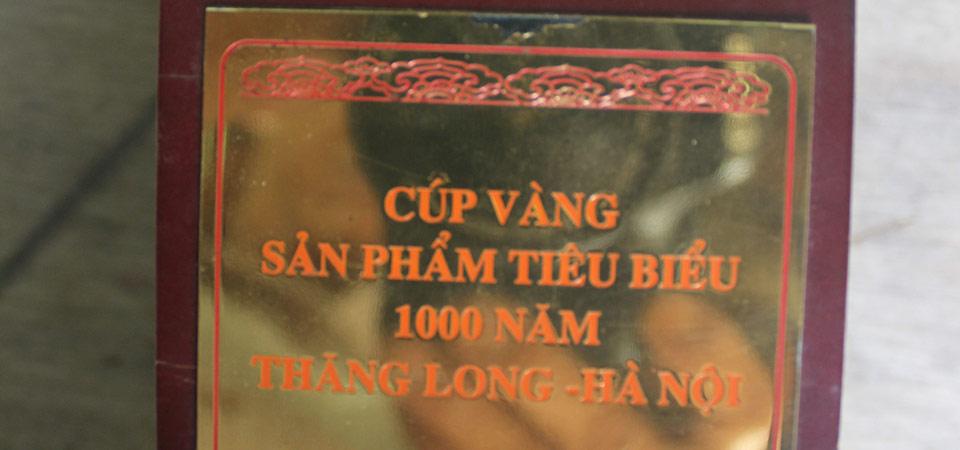 cup-vang-san-pham