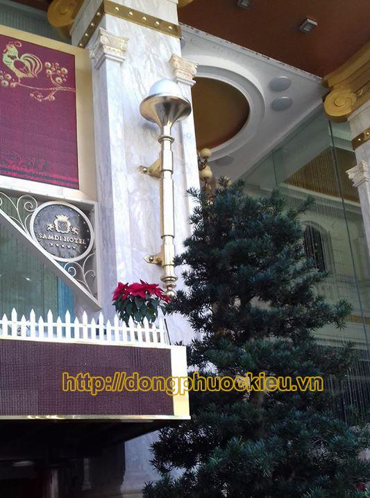 Đèn đồng trang trí nội ngoại thất với thiết kế đặc biệt - hinh 4